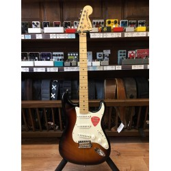 Fender American Special Stratocaste Maple Neck 2-Color Sunburst